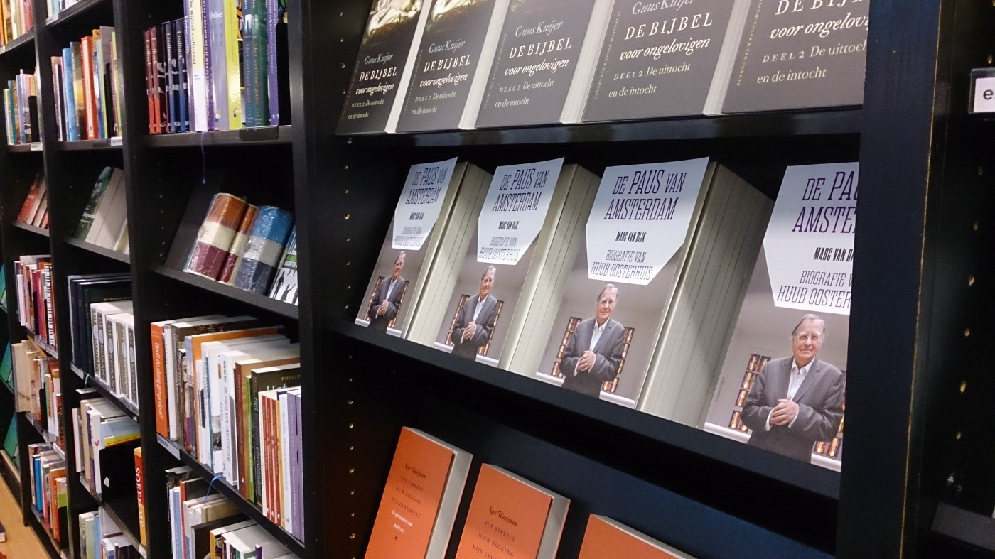 'De paus van Amsterdam' overal verkrijgbaar